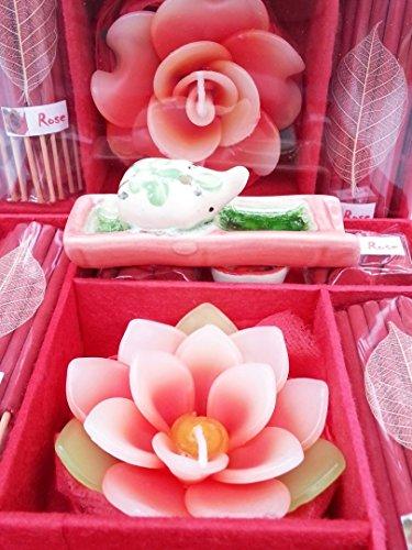 Räuchestäbchen- und Kerzen-Geschenkset - Duftlampe Elefant. Räucherstäbchen, Schälchen für Teelichter und eine Blumenkerze rose