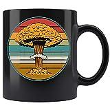 Puesta de sol nuclear de la nube de la seta del vintage - Cerámica negra Tazas de café (11 oz)