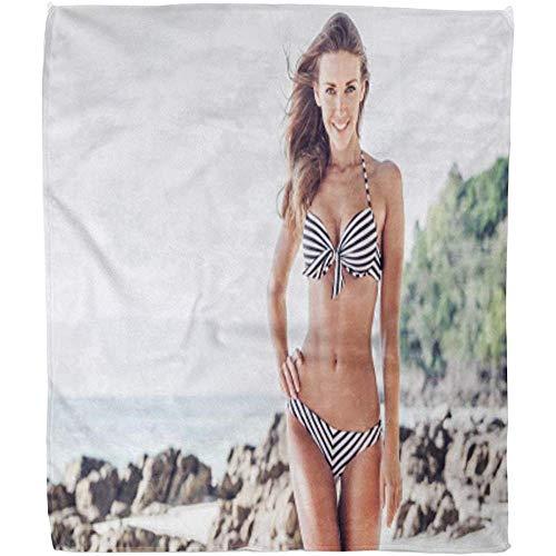 Duang Gooi Deken Tan Fit Vrouw In Bikini Wandelen Op Tropisch Strand Zomer Warm Hotel Fleece Deken 102X127Cm Gooi Deken Zachte Fuzzy Deken Bed Sofa Office Woonkamer