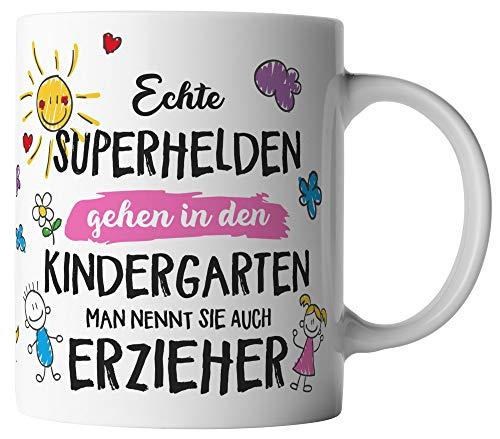 vanVerden Tasse - Echte Superhelden gehen in den Kindergarten man nennt sie auch Erzieher - beidseitig Bedruckt - Geschenk Idee Kaffeetasse mit Spruch, Tassenfarbe:Pink