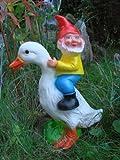 Rakso Oskar Schneider GmbH & Co. KG Gartenzwerg auf Ente aus bruchfestem PVC Zwerg Made in Germany Garten Figur,Mehrfarbig