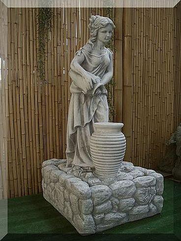 Frau mit Krug, als Brunnen, 100 cm hoch, aus Steinguss