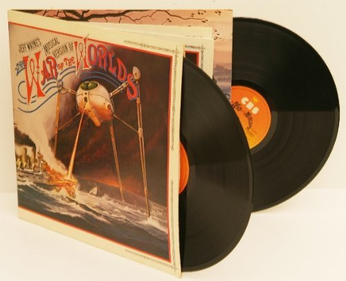 JEFF WAYNE'S The War of the Worlds. Great copy, very early UK pressing 1978 on CBS, matrix A2, with 16 page booklet