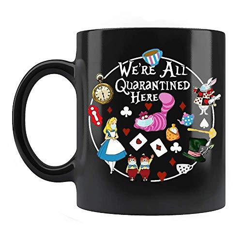 N\A We 're All Quarantine Here Mug, Divertido Dibujo Animado Gato Conejo té Reloj Sombrero Tazas de café de cerámica Que Dicen Negro, 11 oz