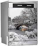 MEGADECOR Vinilo Decorativo para Lavavajillas, Medidas Estandar 67 cm x 76 cm, Central Park, Ciudad de Nueva York en Gapstow Bridge en la Madrugada Después de la Tormenta de Nieve