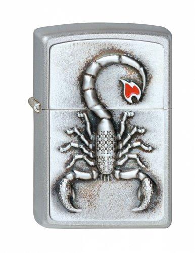 Zippo Zippo Feuerzeug 2001808 Emblem Scorpion w/Flame Benzinfeuerzeug, Messing Chrome