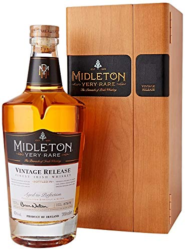 Midleton Very Rare Irish Whiskey 2019 – Limitierter Whiskey mit Gravur von Brien Nation – Edle Spirituose inkl. Holzbox - ideales Geschenk & Sammlerstück – 1 x 0,7 L