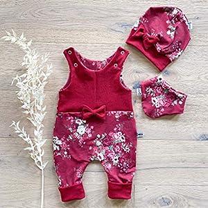 ANGEBOT Set – Strampler, Schleifenmütze, Halstuch – Rot große Rosen (Rot) Baby Mädchen