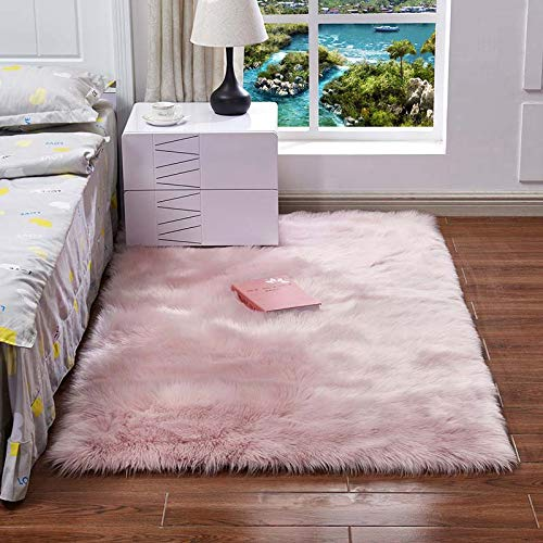 QSSM Luxury Faux Sheepskin Fur Area Rugs, Silky Long Wool Carpet, Shaggy Plush Carpet for Living Room Bedroom, Children Play Dormitory Home Decor Rug(4ft Round, Ice Pink)