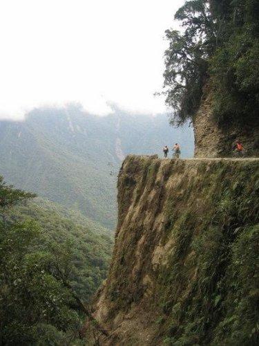 LA CARRETERA DE LA MUERTE (la ruta 3 boliviana) (AL PASO POR AMÉRICA DEL SUR)