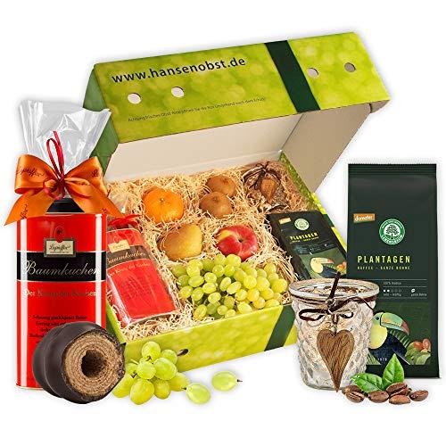 Geschenkbox mit frischem Obst, Bohnenkaffee, Baumkuchen und Windlicht in klassischer Geschenkbox für Kaffee und Kuchen