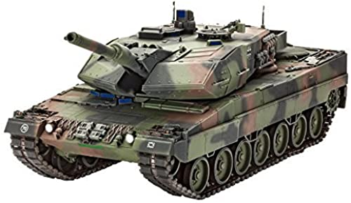 REVELL OF GERMANY 03243 1 35 Leopard 2A5 A5NL by Revell of Germany