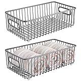 mDesign Juego de 2 cestas de almacenaje en metal con asas integradas – Gran caja organizadora con atractivo diseño en malla de alambre – Ideal como organizador de baño para cosméticos – gris oscuro