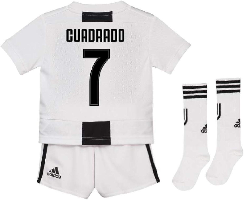 UKSoccershop 2018-19 Juventus Home Mini Kit (Juan Cuadrado 7)