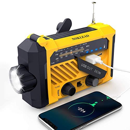 NOKLEAD Radio portátil de emergencia meteorológica – Manivela solar AM/FM/WB NOAA Radio con linterna de lectura USB Cargador SOS Alerta, 2000 mAh banco de energía para teléfono celular, AAA funciona con pilas (amarillo)