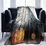 QIUTIANXIU Mantas para Sofás de Franela 150x200cm Halloween Set Pumpkin Light Ghost Woods en murciélago y Luna Manta para Cama Extra Suave