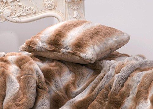 Coussin en fausse fourrure de renard marron clair / gris 45 x 45 cm