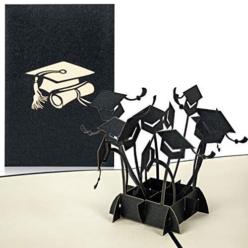 PaperCrush® Pop-Up Karte Glückwunsch zur Prüfung - 3D Glückwunschkarte zum bestandenen Doktor, Examen, Bachelor oder Master Abschluss - Handgefertigte Geschenkkarte mit Doktorhüten