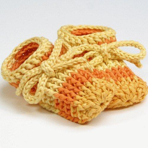 Babypuschen mit Schleife aus weicher Baumwolle, gehäkelt, S - ca. 10 cm,