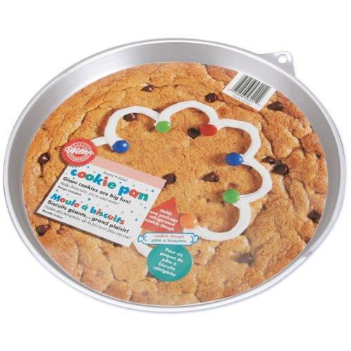 Wilton Giant Cookie Pan, Round