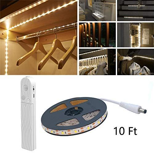 Luz de sensor de movimiento LED, 10FT 180 LED 3000K Tira de LED blanco cálido, USB o con pilas, Interruptor de sensor de día/noche para armario, debajo del gabinete, escaleras, iluminación de armario