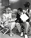 Doris Day Talking in Classic Photo Print (60,96 x 76,20 cm)