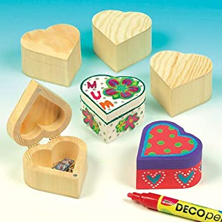 Baker Ross Ltd Wooden Heart Boxes for Kids to Paint & Decorate for Valentines (Pack of 4)