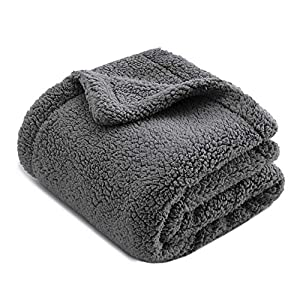 CHEE RAY Extra Thick Washable Snugly Sherpa Fleece Bed Blanket for Dogs and Cats, Durable Warm Fluffy Throw fit Beds/Couch/Sofa/Kennel/Carrier