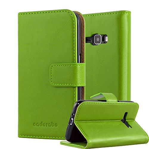 Cadorabo Hülle für Samsung Galaxy J1 2016 (6) - Hülle in Gras GRÜN – Handyhülle im Luxury Design mit Kartenfach und Standfunktion - Case Cover Schutzhülle Etui Tasche Book