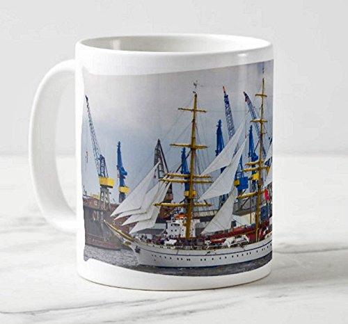 Hamburger Panorama Hafenbecher - Motiv: Hamburg Maritim - Die Gorch Fock im Hamburger Hafen - Foto-Tassen/Fotos / Bilder/Souvenirs