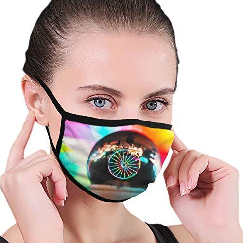 Dataqe Person Holding Ice Cream Cone Met Crystal Ball Gezicht Maskers Doek Masker Voor Stofbescherming Katoen Wasbaar Herbruikbaar Voor Mannen En Vrouwen Universeel