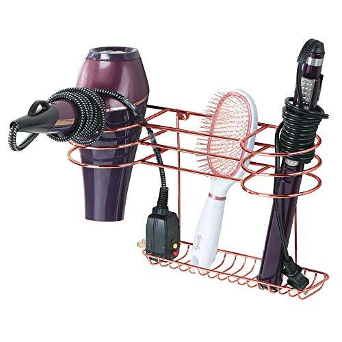 mDesign Soporte para secador de pelo para fijar en la pared – Estante de baño ideal para guardar secador y plancha de pelo – Organizador de pared en metal con varios soportes – dorado rosado
