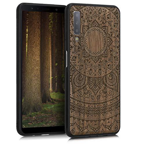 Preisvergleich Produktbild kwmobile Bumper Schutzhülle kompatibel mit Samsung Galaxy A7 (2018) - Holz Hülle Handy Case Cover Walnussholz Indische Sonne Dunkelbraun