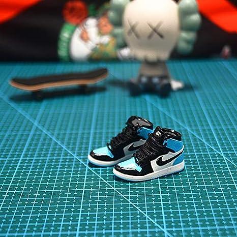 ahliwei Adornos Llavero Jordan Sneakers Aj1 Mochila Adornos Pareja Regalos Creativos Manualidades 1 Zapato Cuerda de Cuero 13