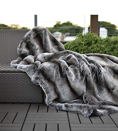Eikei Luxury Faux Fur Throw Blanket Super Soft Oversized Thick Warm Afghan Reversible to Plush Velvet in Tan Grey Wolf, Cream Mink or Blush Chinchilla, Machine Washable (Chinchilla, Double Sided)