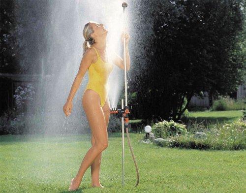 Gardena Gartendusche duo: Dusche mit zwei angenehmen Strahlarten, Brausestrahl oder Sprühnebel, Wassermenge stufenlos regulier- und absperrbar,...
