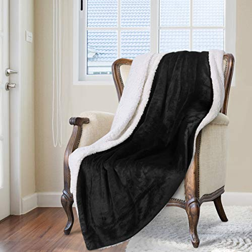 HOMEIDEAS Super Warm Sherpa Throw Blanket Winter Fuzzy Thick Fleece Blankets Extra Soft for Bed Couch 50 x 60 Inches,Black
