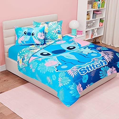 Edredón Microfibra Reversible HD STITCH. Edredón Matrimonial Color Azul (1.80 x 2.20 m). Ideal para niñas, niños y adolescentes. Reversible. El más Suave y Ligero. Poliéster. Incluye 2 fundas para almohada (70 x 50 cm).