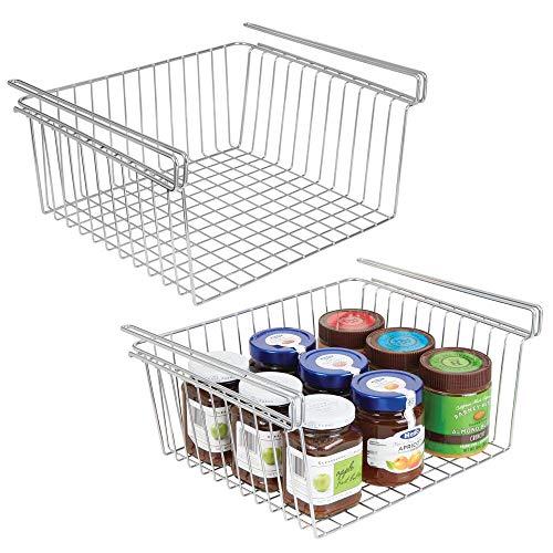 mDesign Juego de 2 estantes de cocina colgantes de metal resistente – Cestas metálicas para cocina y despensa – Robusta cesta colgante para alimentos y utensilios de cocina – plateado