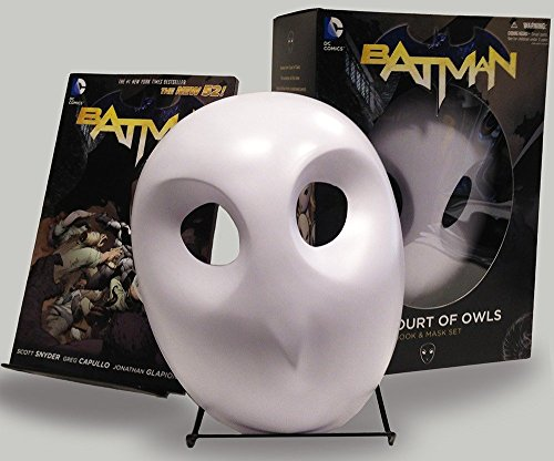Batman Court Of Owls Mask Book (Batman: The New 52)