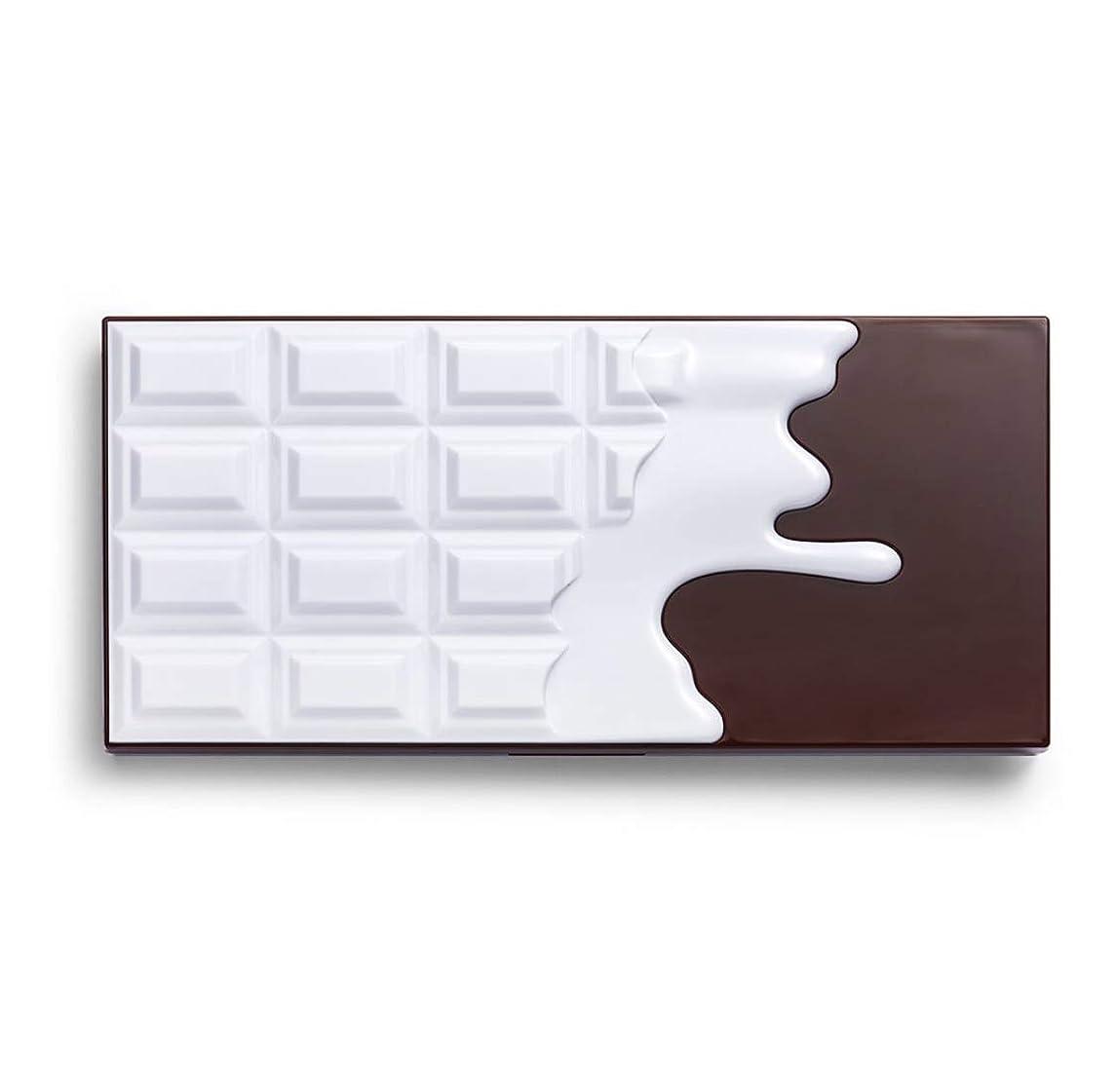 仲良しボーカルタイピストメイクアップレボリューション アイラブメイクアップ チョコレート型18色アイシャドウパレット #Smores Chocolate