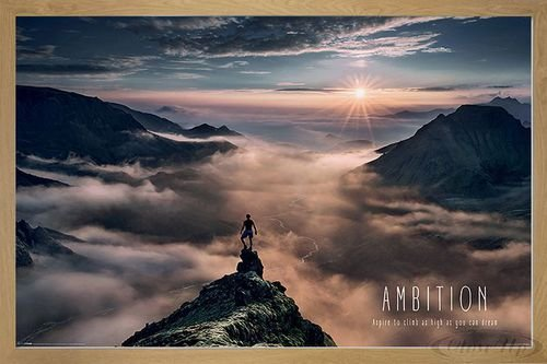 Close Up Ambition Mountain Poster (96,5x66 cm) gerahmt in: Rahmen Eiche