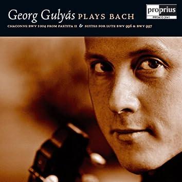 Georg Gulyas Plays Bach