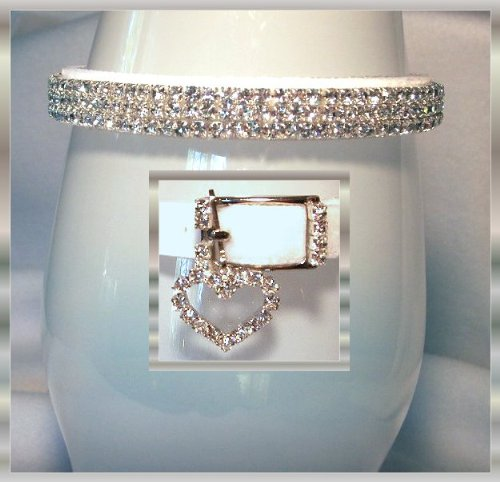 Collar de terciopelo blanco nieve con diamantes de imitación de cristal para mascotas – Felpa y brillante (pequeño 17,7 cm – 9,0 pulgadas) de circunferencia de cuello ajustado)