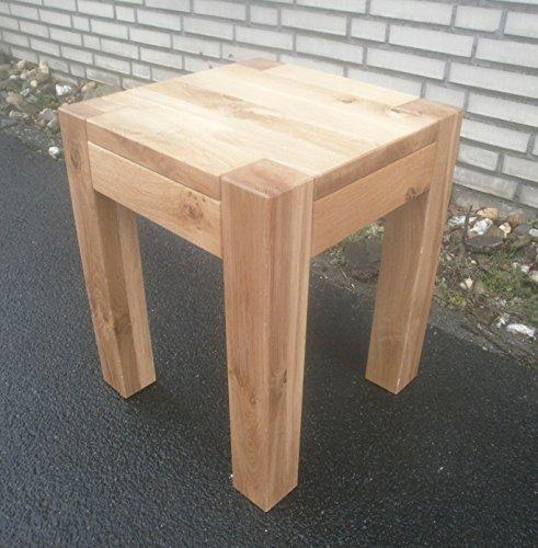 Bijzettafel houten tafel wild eiken massief. Afmetingen: 40 x 40 x 50 cm hoog. Op maat gemaakt.