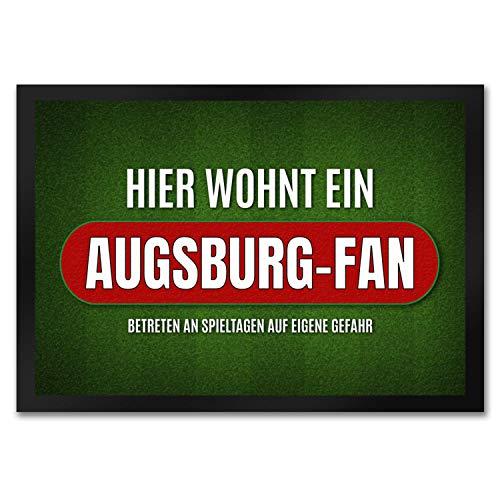 trendaffe - Hier wohnt EIN Augsburg-Fan Fußmatte mit Rasen Motiv Fußball Augsburg Tor Verein