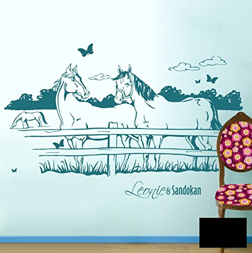 Pferdewandtattoo Wandtattoo Wandaufkleber Pferde auf Pferdekoppel mit Schmetterlingen und Wunschnamen (Kind & Pferd oder wie gewünscht) M1433c - ausgewählte Farbe: *Schwarz* ausgewählte Größe:*M 100cm breit x 60cm hoch
