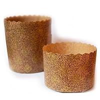 Stampo in pura carta cellulosa adatto da -18° C a + 250° C. Ideale per la preparazione di panettoni da 1kg. Realizzato in Italia. Diametro 18 cm, altezza 11,5 cm.