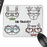 Travel Mouse Pad Quote Set von Hand gezeichnete lustige Porträts von Cat Bunny Rentier Eule in Gläsern Seien Sie intelligenter Text genau steuerbar, mehrfarbig