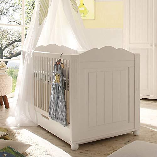 Lomadox Landhaus Babybett aus Kiefer massiv, weiß lackiert, mit BettkastenB/H/T ca. 151x96x78cm